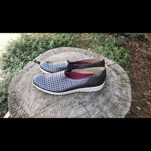 Munro Sport Slip-on - Size 10-1/2 SS